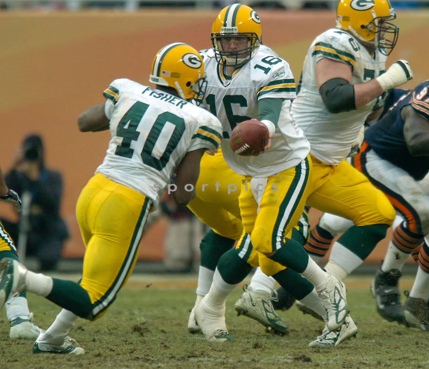Graig Nall, of the Green Bay Packers in game action against the  Chicago Bears on 1/2/05.Packers win 14-31..David Durochik / SportPics