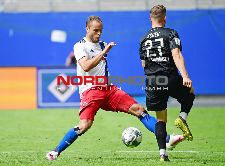 v.l. Ewerton (HSV), Robin Scheu<br />