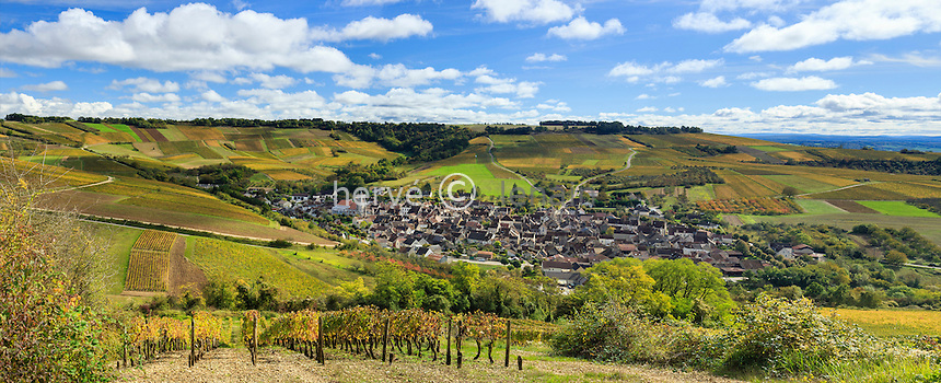 France, Yonne(89), Irancy, le village et le vignoble en automne // France, Yonne, Irancy and the vineyard fall