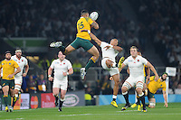 Israel Folau of Australia and Anthony Watson of England compete for the high ball during Match 26 of the Rugby World Cup 2015 between England and Australia - 03/10/2015 - Twickenham Stadium, London<br /> Mandatory Credit: Rob Munro/Stewart Communications