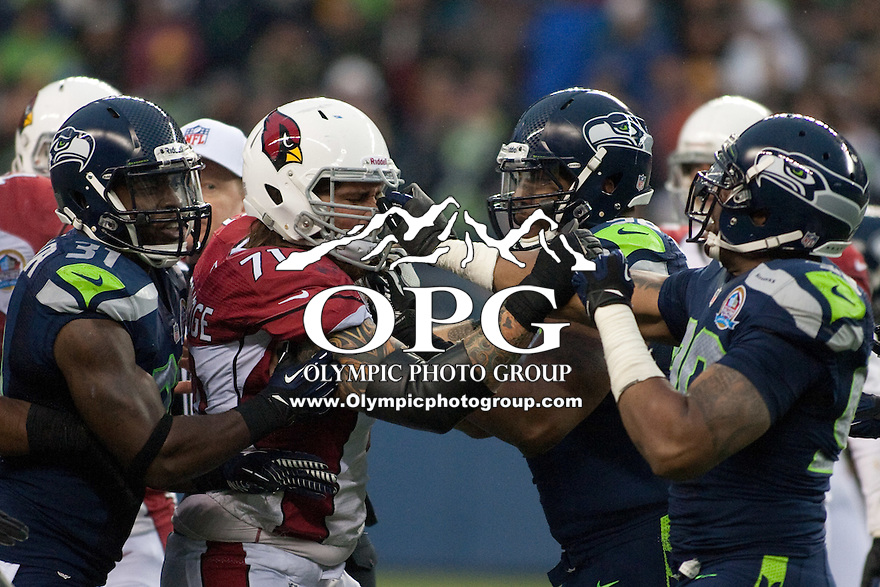 DEC 09, 2012:  Arizona's Daryn Colledge against the Seattle Seahawks.  Seattle defeated Arizona 58-0 at CenturyLink Field in Seattle, WA...