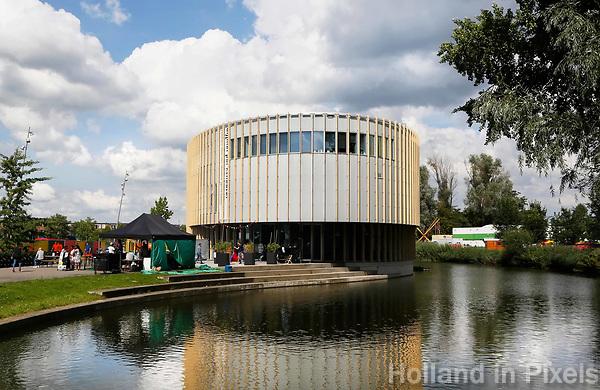 Nederland  Amsterdam - 2017.  Het Bijlmer Parktheater.  Foto Berlinda van Dam / Hollandse Hoogte