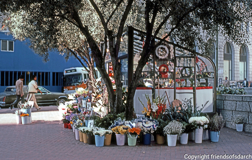 San Francisco:  Florist Stall, Market Street. Front of Crown-2 Ellerbach Complex.   Photo '83.