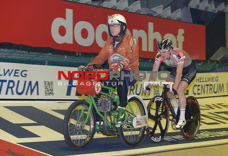 11.01.2014, &Ouml;VB Arena, Bremen, GER, Sixdays Bremen, im Bild Marc Hester (Team Ryanair #3)<br /> <br /> Foto &copy; nordphoto / Frisch