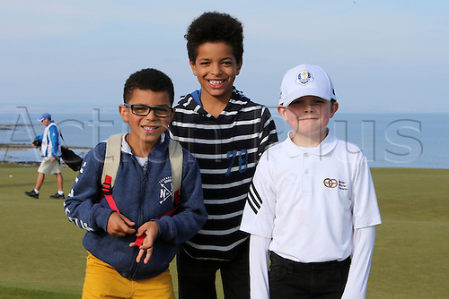 03.10.2015. Kingsbarns, Scotland. Alfred Dunhill Links Golf.<br /> Young golf fans at the fifth green