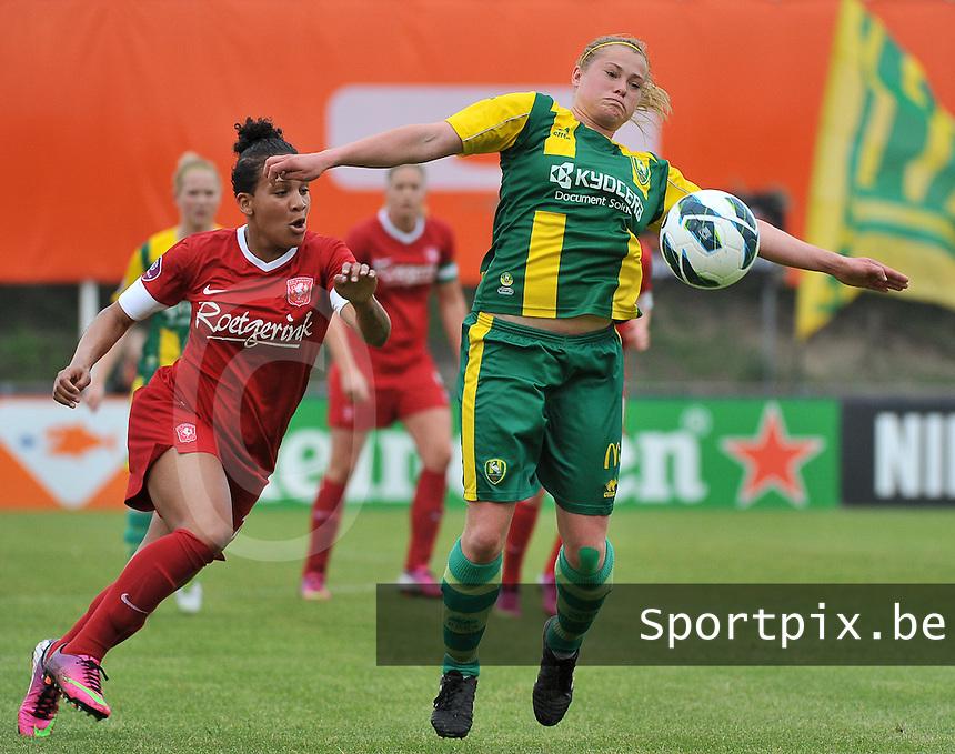 KNVB Beker Finale : ADO Den Haag - FC Twente : Marissa Compier aan de bal voor Shanice van de Sanden<br /> foto DAVID CATRY / Nikonpro.be