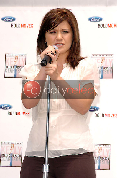 Kelly Clarkson<br />