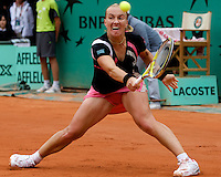 Svetlana Kuznetsova (RUS) (7) against Dinara Safina (RUS) (1) in the Finals of the Women's Singles. Kuznetsova beat Safina 6-4 6-2..Tennis - French Open - Day 14 - Sat 6th June 2009 - Roland Garros - Paris - France..Frey Images, Barry House, 20-22 Worple Road, London, SW19 4DH.Tel - +44 20 8947 0100.Cell - +44 7843 383 012