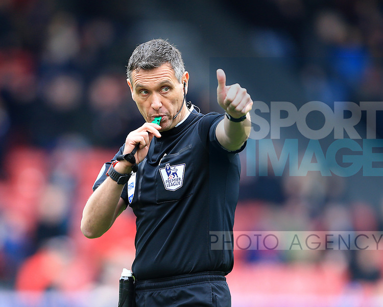 Referee Andre Marriner in action<br /> <br /> - English Premier League - Crystal Palace vs Liverpool  - Selhurst Park - London - England - 6th March 2016 - Pic David Klein/Sportimage