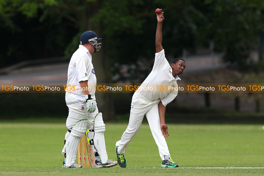 Jamal Francis in bowling action for Gidea Park - Hornchurch CC vs Gidea Park & Romford CC - Essex Cricket League at Harrow Lodge - 24/05/14 - MANDATORY CREDIT: Gavin Ellis/TGSPHOTO - Self billing applies where appropriate - 0845 094 6026 - contact@tgsphoto.co.uk - NO UNPAID USE