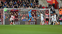 Pictured: Lukasz Fabianski, goalkeeper for Swansea catches the ball Sunday 01 February 2015<br /> Re: Premier League Southampton v Swansea City FC at ST Mary's Ground, Southampton, UK.