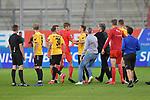 Spiel am 35 Spieltag in der Saison 2019-2020 in der 3. Bundesliga zwischen dem FC Ingolstadt 04 und dem SV Waldhof Mannheim am 24.06.2020 in Ingolstadt. <br /> <br /> Filip Bilbija (Nr.35, FC Ingolstadt 04) und Marco Schuster (Nr.6, SV Waldhof Mannheim) geraten nach dem Spiel aneinander<br /> <br /> Foto © PIX-Sportfotos *** Foto ist honorarpflichtig! *** Auf Anfrage in hoeherer Qualitaet/Aufloesung. Belegexemplar erbeten. Veroeffentlichung ausschliesslich fuer journalistisch-publizistische Zwecke. For editorial use only. DFL regulations prohibit any use of photographs as image sequences and/or quasi-video.
