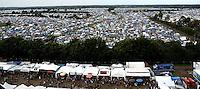 WACKEN Open Air 2009 - WOA - 20. Metal Festival im kleinen Metal-Dorf Wacken (Schleswig-Holstein) - beinahe 80.000 Besucher kamen auf den lautesten Acker der Welt - nearly 80.000 metalheads visits the 20th WOA - in picture / im Bild: View over the huge  camp ground - Luftaufnahme von einem Teil des riesigen Campingplatzes / Zeltplatz / Camping Bereich für die Besucher. Foto: Christin Kersten.