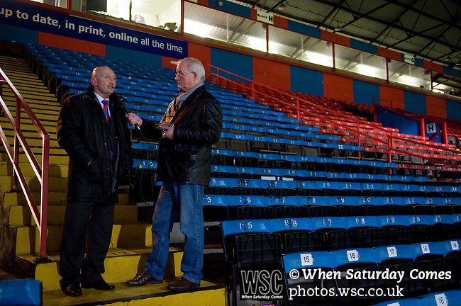 Crystal Palace 1 Huddersfield Town 1, 22/12/2012. Selhurst Park, Championship. Promotion chasing Crystal Palace aim to halt a poor run of form against lowly Huddersfield. Ian Holloway's post-match interview. Photo by Simon Gill.