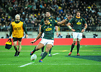 South Africa's Handre Pollard kicks for goal during the Rugby Championship rugby union match between the New Zealand All Blacks and South Africa Springboks at Westpac Stadium in Wellington, New Zealand on Saturday, 27 July 2019. Photo: Mike Moran / lintottphoto.co.nz