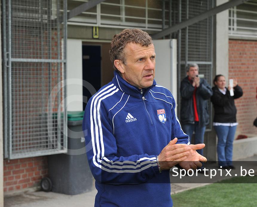 1/2 finale Coupe De France in Arras , stade Degouve : Arras - Olympique Lyonnais Lyon : coach trainer Patrice Lair.foto JOKE VUYLSTEKE / Vrouwenteam.be