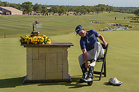 Andrew Landry (USA) dons the boots for the Champion after winning the Valero Texas Open, AT&amp;T Oaks Course, TPC San Antonio, San Antonio, Texas, USA. 4/22/2018.<br /> Picture: Golffile | Ken Murray<br /> <br /> <br /> All photo usage must carry mandatory copyright credit (&copy; Golffile | Ken Murray)