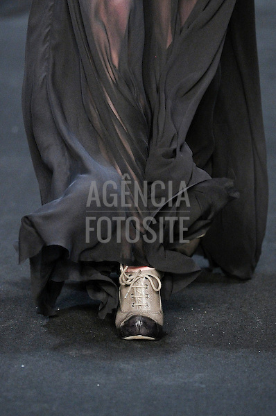 Rio de Janeiro, Brasil – 11/01/2011 - Detalhe do desfile da Filhas de Gaia durante o Fashion Rio  -  Inverno 2011. Foto : Olivier Claisse/ Agência Fotosite