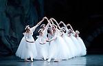 The Royal Ballet. Les Sylphides.