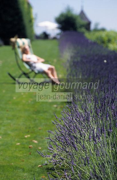 Europe/France/Rhône-Alpes/69/Rhône/Bagnols: Dans les jardins de l'hôtel - restaurant du château de Bagnols - AUTORISATION N°270
