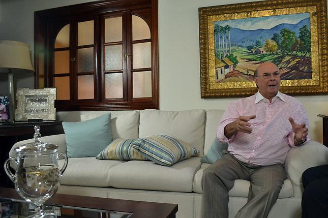 SANTO DOMINGO, RD, Entrevista a Hipolito Mejia precandidato presidencial por el Partido Revoluvionario Dominicano..Lugar:En si Residencia.Foto:Cesar de la Cruz.Fecha:.