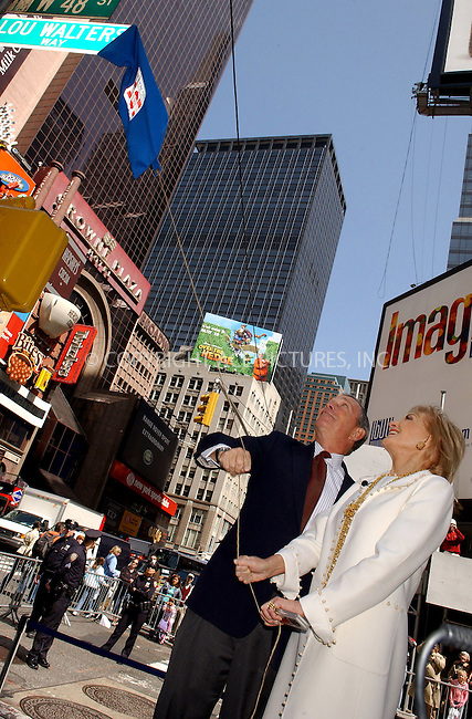 WWW.ACEPIXS.COM . . . . . ....NEW YORK, APRIL 21, 2006....Barbara Walters and Michael Bloomberg unveil Lou Walters Way.......Please byline: KRISTIN CALLAHAN - ACEPIXS.COM.. . . . . . ..Ace Pictures, Inc:  ..(212) 243-8787 or (646) 679 0430..e-mail: picturedesk@acepixs.com..web: http://www.acepixs.com