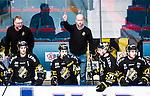 Stockholm 2014-12-01 Ishockey Hockeyallsvenskan AIK - S&ouml;dert&auml;lje SK :  <br /> AIK:s assisterande tr&auml;nare Michael Nylander gestikulerar under matchen mellan AIK och S&ouml;dert&auml;lje SK <br /> (Foto: Kenta J&ouml;nsson) Nyckelord:  AIK Gnaget Hockeyallsvenskan Allsvenskan Hovet Johanneshov Isstadion S&ouml;dert&auml;lje SSK tr&auml;nare manager coach portr&auml;tt portrait
