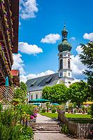 Deutschland, Bayern, Chiemgau, Reit im Winkl: Ortskern mit Kirche St. Pankratius   Germany, Upper Bavaria, Chiemgau, Reit im Winkl: village centre with church St Pankratius