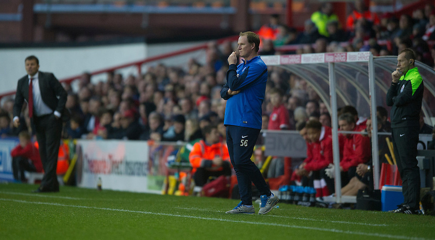 Preston North End manager Simon Grayson shouts instructions to his team from the dug-out<br /> <br /> Photographer Stephen White/CameraSport<br /> <br /> Football - The Football League Sky Bet League One - Bristol City v Preston North End - Saturday 22nd November 2014 - Ashton Gate - Bristol <br /> <br /> &copy; CameraSport - 43 Linden Ave. Countesthorpe. Leicester. England. LE8 5PG - Tel: +44 (0) 116 277 4147 - admin@camerasport.com - www.camerasport.com