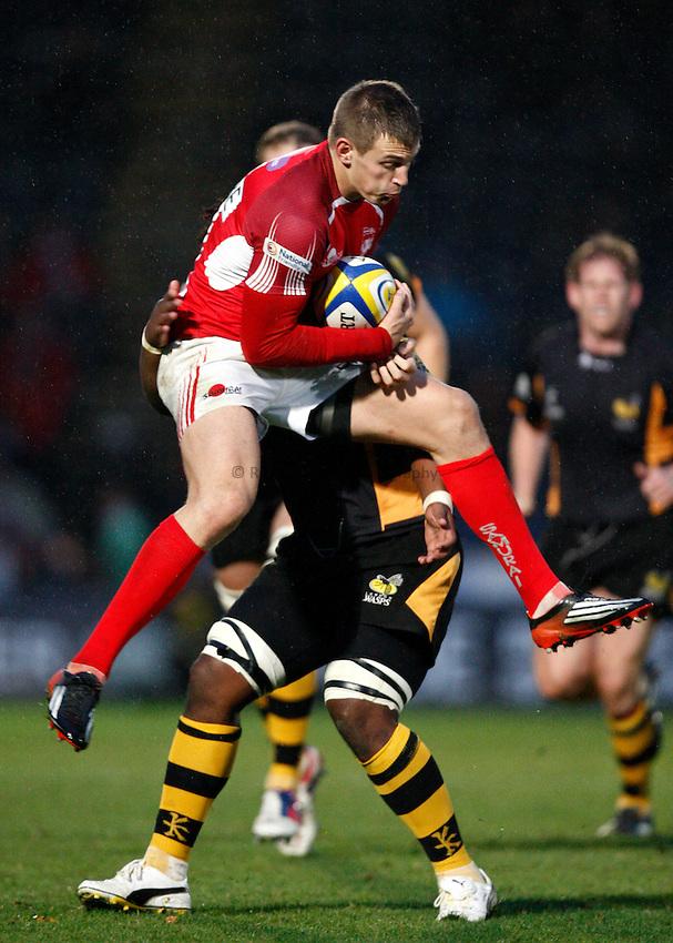Photo: Richard Lane/Richard Lane Photography. London Wasps v London Welsh. 28/10/2012. Welsh's Nick Scott wins a high ball.