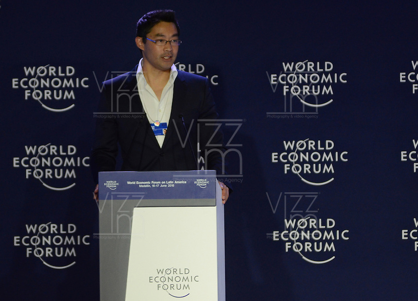 MEDELLÍN - COLOMBIA, 16-06-2016: Philipp Rösler político Alemán y jefe del Centro de Estrategias Regionales del WEF realiza su intervención durante el primer día de la reunión anual del Foro Económico Mundial (WEF) en Medellin, Colombia. / Philipp Rösler, German politician and Head of the Centre for Regional Strategies, Member of the Managing Board, World Economic Forum Geneva, during his speech at World Economic Forum (WEF) anual meeting in Medellin, Colombia.  VizzorImage/ León Monsalve /Str