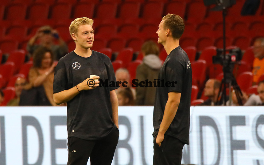 Julian Brandt (Deutschland Germany) mit Torwart Bernd Leno (Deutschland Germany) - 13.10.2018: Niederlande vs. Deutschland, 3. Spieltag UEFA Nations League, Johann Cruijff Arena Amsterdam, DISCLAIMER: DFB regulations prohibit any use of photographs as image sequences and/or quasi-video.