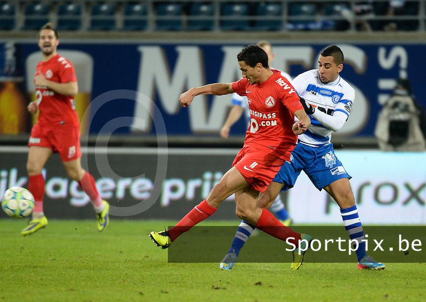 AA Gent - KV Kortrijk : Mustapha Oussalah (links) in duel met Yassine El Ghanassy (rechts)<br /> foto VDB / Bart Vandenbroucke