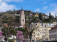 Pfarrkirche St. Nikolaus in Meran-Merano, Bozen &ndash; S&uuml;dtirol, Italien<br /> parish church St. Nicholas, Meran-Merano, province Bozen-South Tyrol, Italy