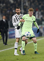 Calcio, Champions League: Gruppo D - Juventus vs Manchester City. Torino, Juventus Stadium, 25 novembre 2015. <br /> Manchester City's Kevin De Bruyne, right, is challenged by Juventus&rsquo; Andrea Barzagli during the Group D Champions League football match between Juventus and Manchester City at Turin's Juventus Stadium, 25 November 2015. <br /> UPDATE IMAGES PRESS/Isabella Bonotto
