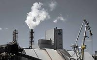 Nederland - Amsterdam -  2020. Haven van Amsterdam. Noordzeekanaal. ICL Fertilizers Europe C.V. (ICL FE C.V.) is een dynamische internationaal opererende onderneming in het Westelijk havengebied van Amsterdam. De onderneming houdt zich bezig met de productie, verkoop en distributie van kunstmest en kunstmest grondstoffen en maakt deel uit van de Europese kunstmest divisie van ICL (Israel Chemicals Limited). Foto Berlinda van Dam / Hollandse Hoogte