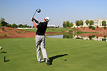 Peter Lawrie tees off on the par5 18th hole during Day 2 of the Dubai World Championship, Earth Course, Jumeirah Golf Estates, Dubai, 26th November 2010..(Picture Eoin Clarke/www.golffile.ie)