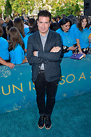 Warren Fischer bei der Weltpremiere des Kinofilms 'The Sun Is Also a Star' in den Pacific Theaters at the Grove. Los Angeles, 13.05.2019