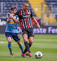 Jonas Hofmann (Borussia Moenchengladbach), Stefan Ilsanker (Eintracht Frankfurt)<br />  - 16.05.2020, Fussball 1.Bundesliga, 26.Spieltag, Eintracht Frankfurt  - Borussia Moenchengladbach emspor, v.l. Stadionansicht / Ansicht / Arena / Stadion / Innenraum / Innen / Innenansicht / Videowall<br /> <br /> <br /> Foto: Jan Huebner/Pool VIA Marc Schüler/Sportpics.de<br /> <br /> Nur für journalistische Zwecke. Only for editorial use. (DFL/DFB REGULATIONS PROHIBIT ANY USE OF PHOTOGRAPHS as IMAGE SEQUENCES and/or QUASI-VIDEO)