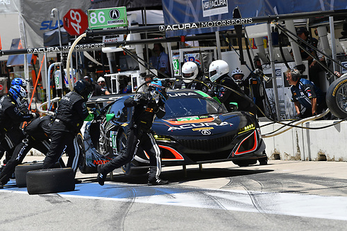 IMSA WeatherTech SportsCar Championship<br /> Advance Auto Parts SportsCar Showdown<br /> Circuit of The Americas, Austin, TX USA<br /> Saturday 6 May 2017<br /> 86, Acura, Acura NSX, GTD, Oswaldo Negri Jr., Jeff Segal - Pit Stop<br /> World Copyright: Richard Dole<br /> LAT Images<br /> ref: Digital Image RD_COTA_17284