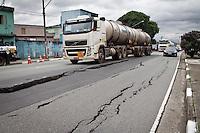 SÃO PAULO,SP,14 JANEIRO 2013 - SOLAPAMENTO - Solapamento na Avenida Francisco Mesquita no Bairro da Vila Prudente regiao leste da cidade de Sao Paulo. FOTO ALE VIANNA - BRAZIL FOTO PRESS