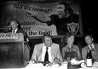 Oakland mayor Lionel Wilson at the Madden roast, John with wife Virginia, and coach John Ralston on the right. (1979 photo/Ron Riesterer)
