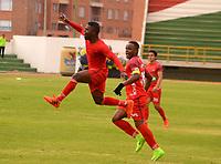 TUNJA - COLOMBIA - 18 - 03 - 2018: Los jugadores Patriotas F. C., celebran el gol anotado a Envigado F. C., durante partido Patriotas FC y Envigado F. C., de la fecha 9 por la Liga de Aguila I 2018 en el estadio La Independencia en la ciudad de Tunja. / The players of Patriotas F. C., celebrate a scored goal to Envigado F. C., during a match between Patriotas F. C. and Envigado F. C., of the date 2th for the Liga de Aguila I 2017 at La Independencia stadium in Tunja city. Photo: VizzorImage  /  Jose Miguel Palencia / Cont.