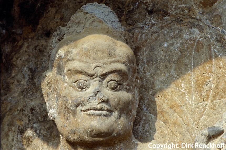 China, Longmen-Grotten in Luoyang, Wächter im JingShan-Tempel, Unesco-Weltkulturerbe