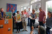 Jacky Cabanel, Laurent Mathieu, Élodie Lacoste, Monique Peytral, sa fille, son fils et son épouse