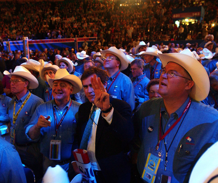 8/30/04/04.2004 REPUBLICAN NATIONAL CONVENTION/TEXAS DELEGATES--Texas delegates on the convention floor..CONGRESSIONAL QUARTERLY PHOTO BY SCOTT J. FERRELL