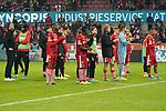 08.11.2019, RheinEnergieStadion, Koeln, GER, 1. FBL, 1.FC Koeln vs. TSG 1899 Hoffenheim,<br />  <br /> DFL regulations prohibit any use of photographs as image sequences and/or quasi-video<br /> <br /> im Bild / picture shows: <br /> die Koelner verabschieden sich von den Fans einschließlich re Achim Beierlorzer Trainer, Headcoach (1.FC Koeln),<br /> <br /> Foto © nordphoto / Meuter