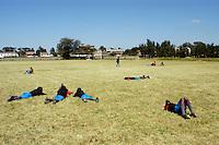 Nairobi .Ragazzi in pausa dopo le lezioni in college privato di Nairobi..Nairobi: students of a private college in Nairobi