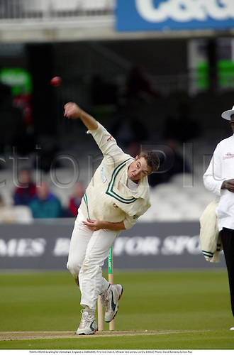 TRAVIS FRIEND bowling for Zimbabwe, England v ZIMBABWE, First test match, NPower test series, Lord's, 030522. Photo: Steve Bardens/Action Plus...2003.Cricket cricketer cricketers.bowler bowlers