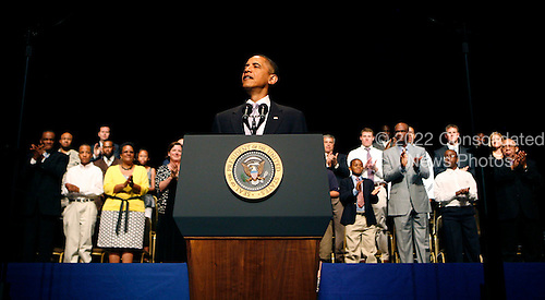 United States President Barack Obama makes a Father's Day speech at  THEARK in Washington, DC on Monday, June 21, 2010..Credit: Dennis Brack - Pool via CNP
